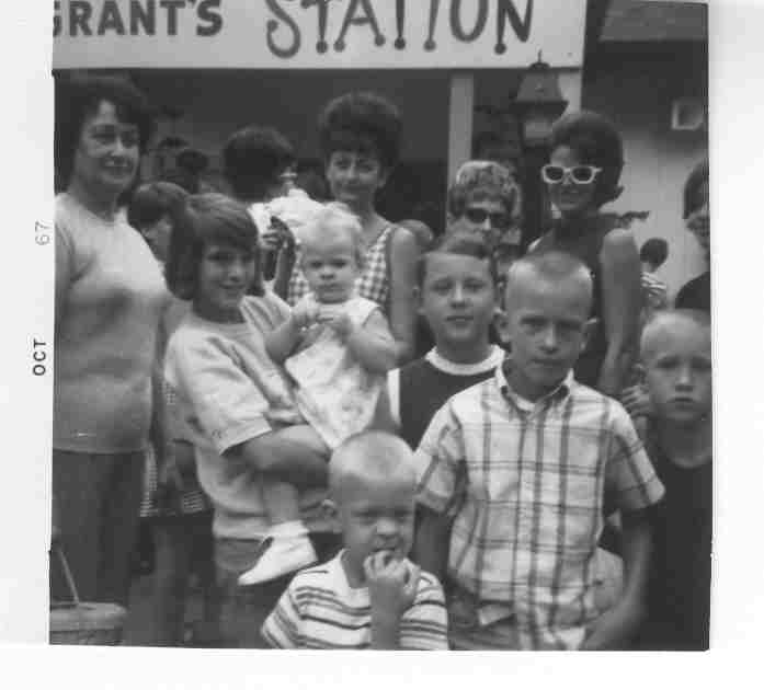 Tommy & Family - Grants Station